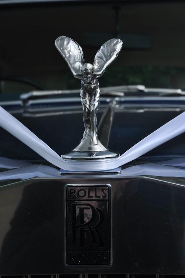 A 1976 Rolls-Royce Silver Shadow I is a true classic car in Seychelles Blue.